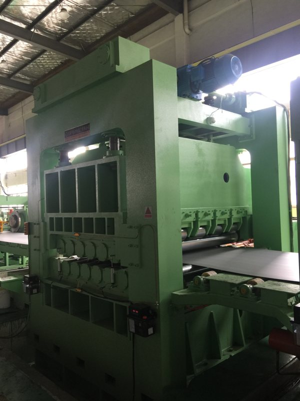 heavy-gauge-stainless-steel-cut-to-length-line-3.jpg